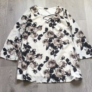 White floral dee Elle dress new without tags